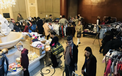 AKC + A Pleines Mains Charity Sale